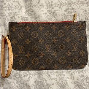 Louis Vuitton pouche